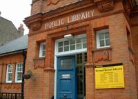 Entrance of Stroud Green library