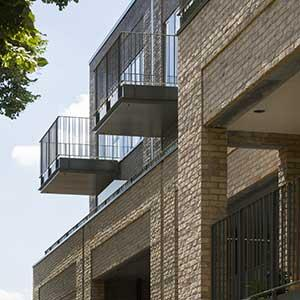 Lorenco House - projecting and recessed balconies (c) Tim Crocker