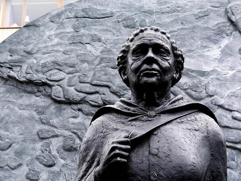 Image of statue